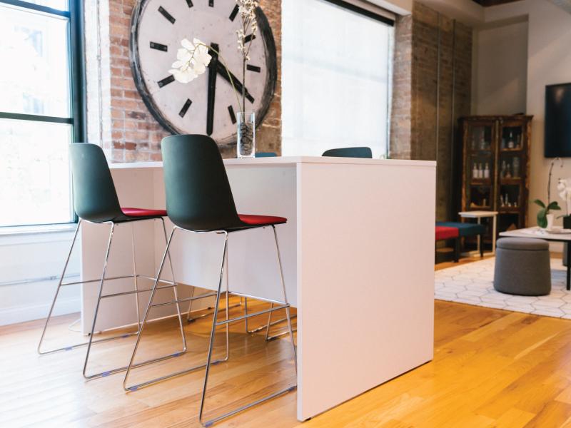 Sofie Barstool Height (Black/Faux Felt Vibrant Cushion)   Pivit Collaboration Table (Basic White)