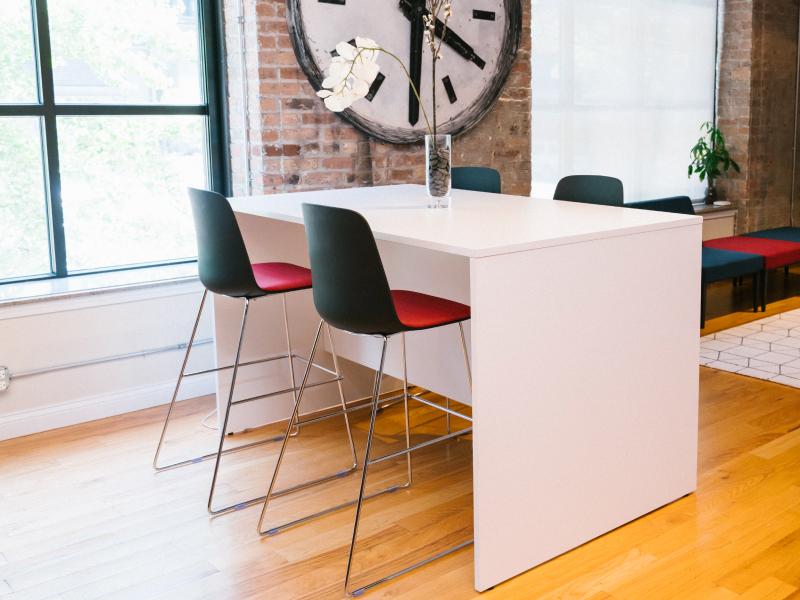 Sofie Barstool Height (Black/Faux Felt Vibrant Cushions)   Pivit Collaboration Table (Basic White)